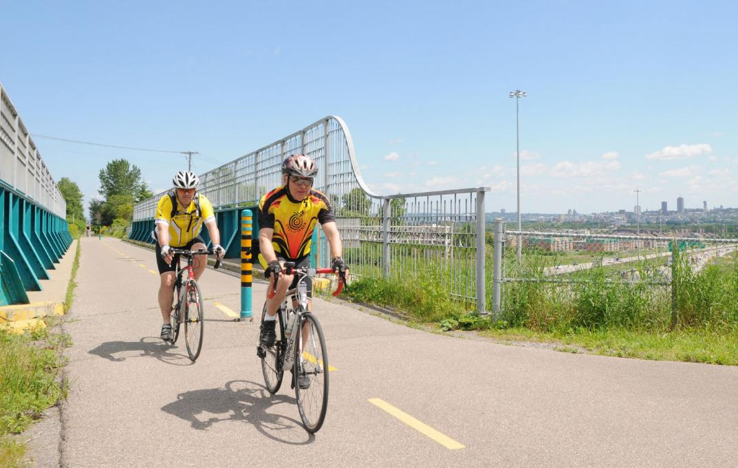 Corridor des Cheminot Cycling Path