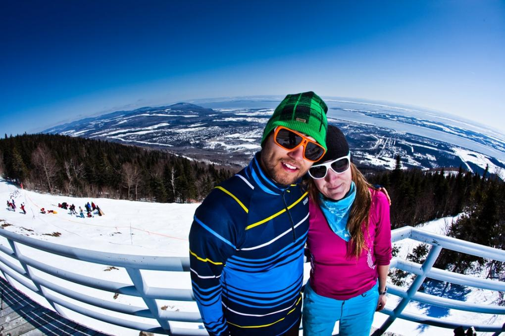 Couple at Mont-Sainte-Anne in spring skiing