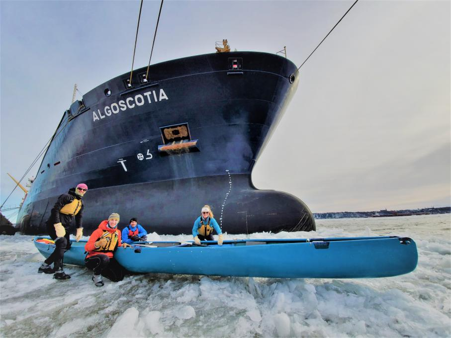Ice Canoeing Experience - Admire the ships at the Port of Québec