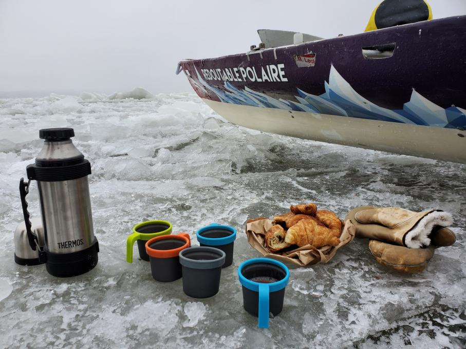 Ice Canoeing Experience - Hot chocolate and fresh croissants, on ice