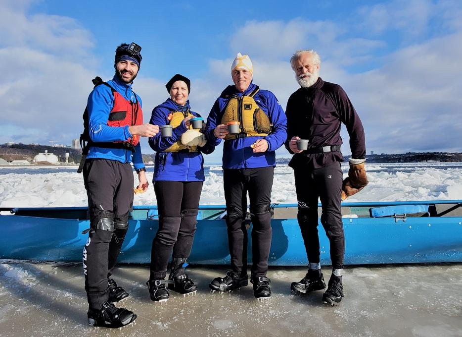 Ice Canoeing Experience - An activity accessible to the general public