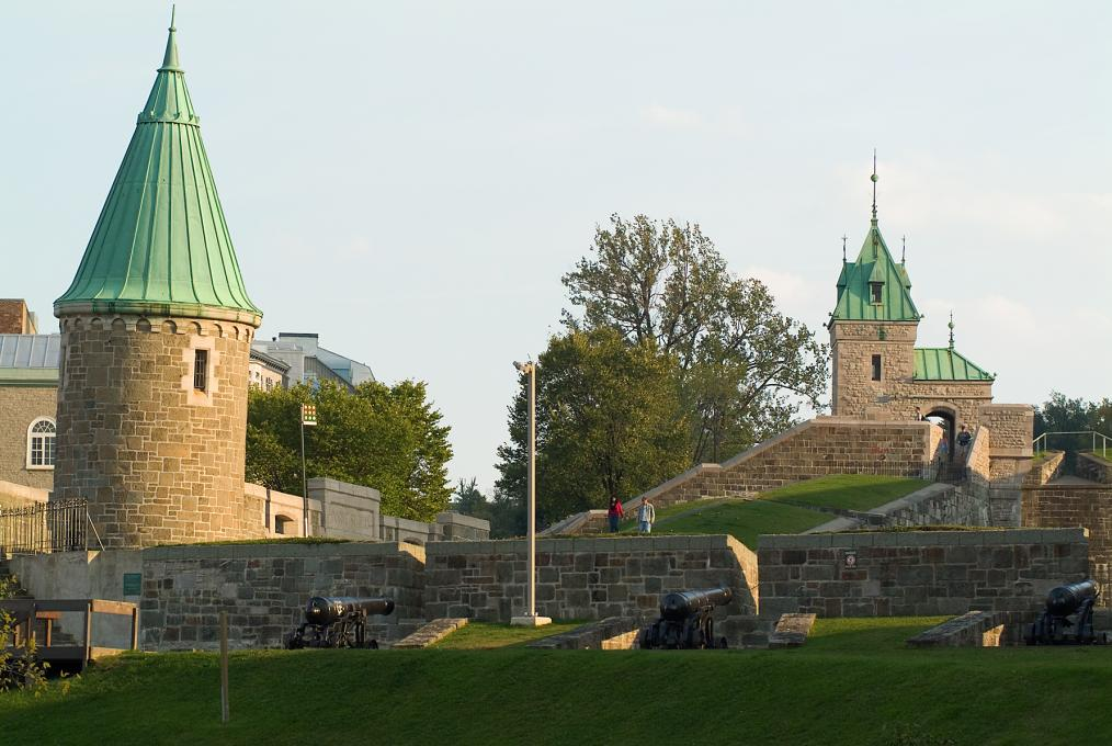 The fortifications in summer at the Fortifications of Québec National Historic Site.