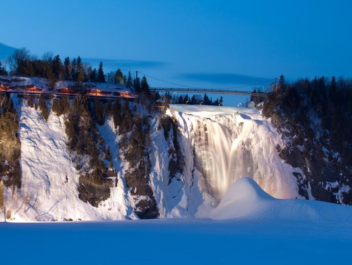 Fall in winter and sugar loaf at Parc de la Chute-Montmorency.