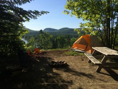 Camping Valcartier - site with mountain views
