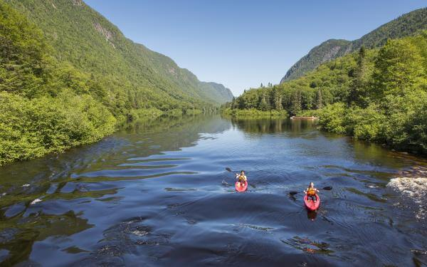 Kayak on the Jacques-Cartier River, in the Jacques-Cartier National Park, in summer.